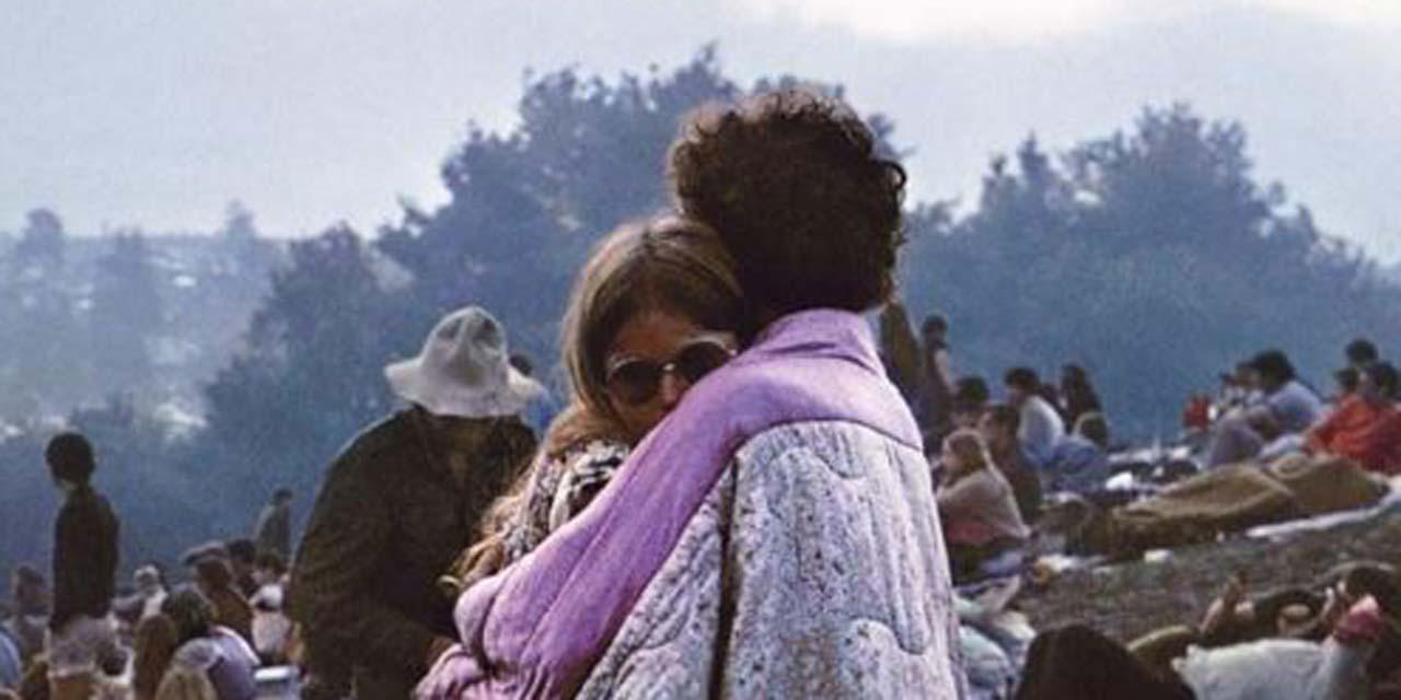 """Cinquante ans après Woodstock, le couple sur la pochette de l'album se souvient : """"Tout était gentillesse..."""