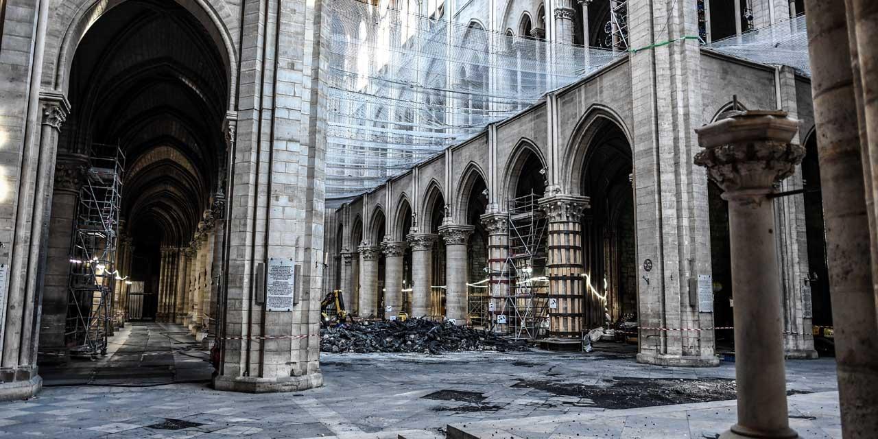 ENQUÊTE - Six mois après, où en est la reconstruction de la cathédrale de Notre-Dame de Paris ?