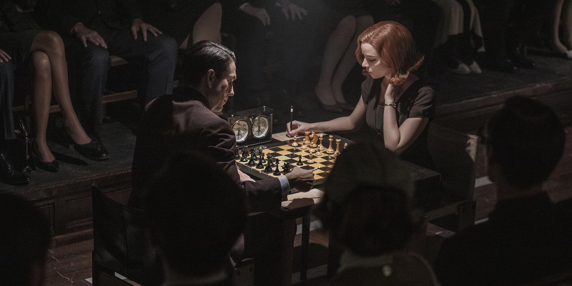 """""""Le Jeu de la dame"""" : comment les créateurs ont rendu les parties d'échecs crédibles"""