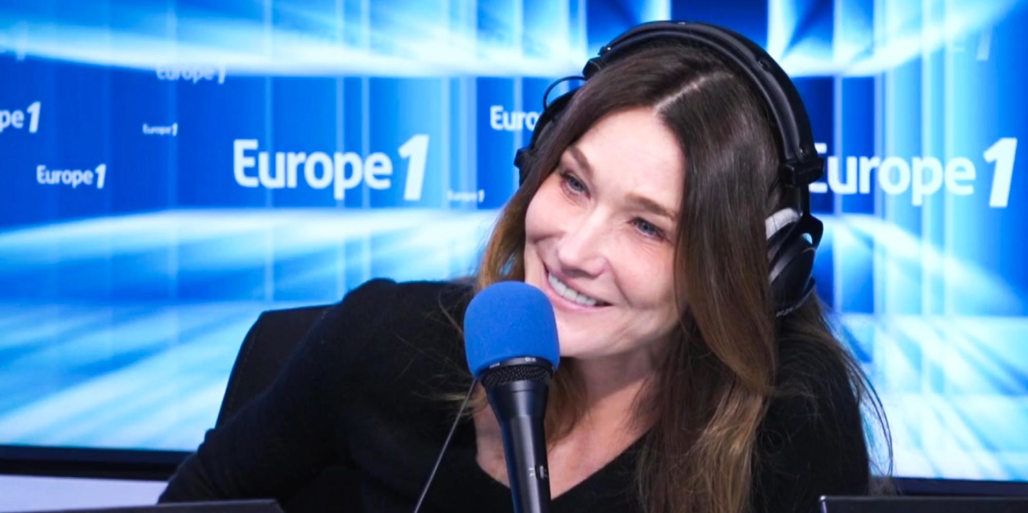 """Quand Carla Bruni raconte avoir demandé la nationalité française """"par politesse"""""""