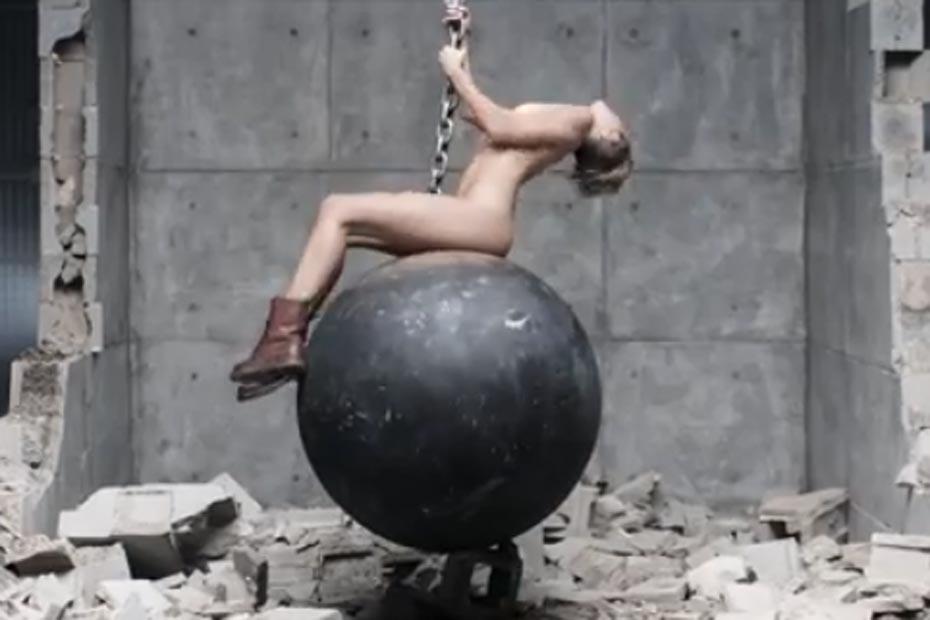 Video - Le Clip Sexy De Miley Cyrus Bat Des Records-6317