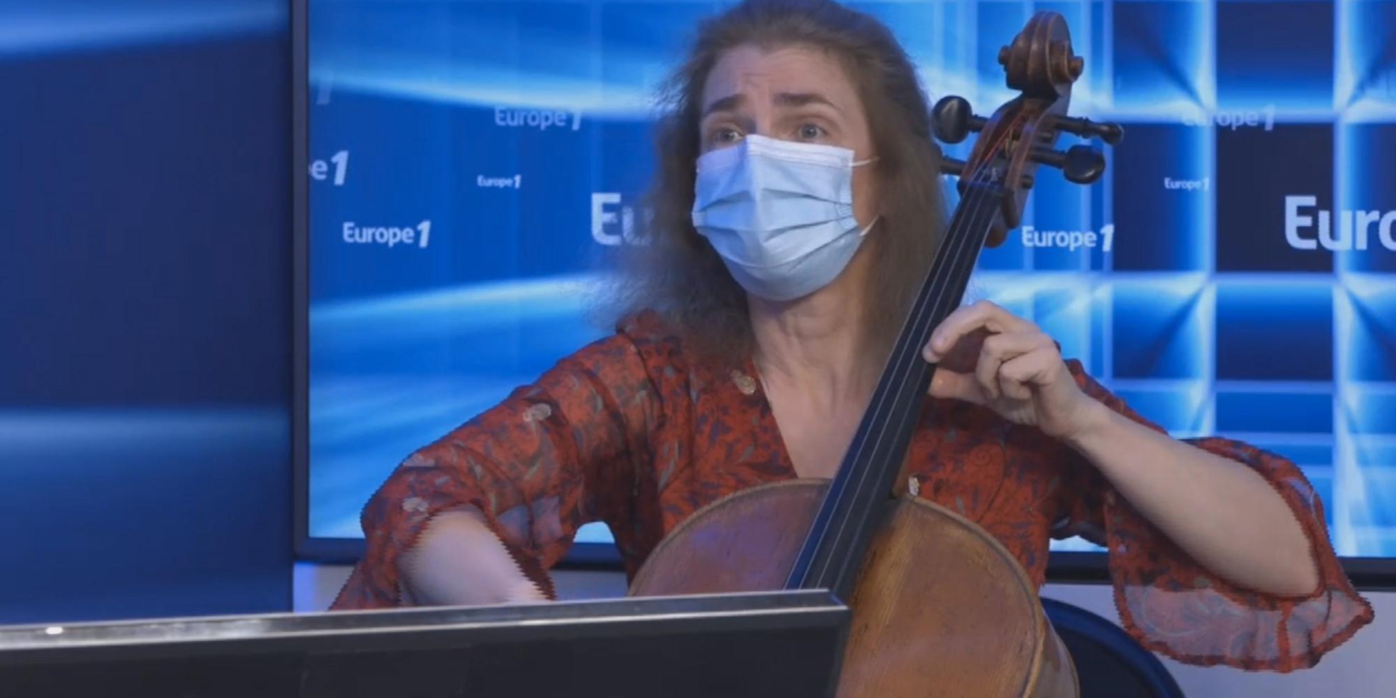 VIDÉO - Quand le violoncelle de Claire Oppert vient apaiser les douleurs des malades