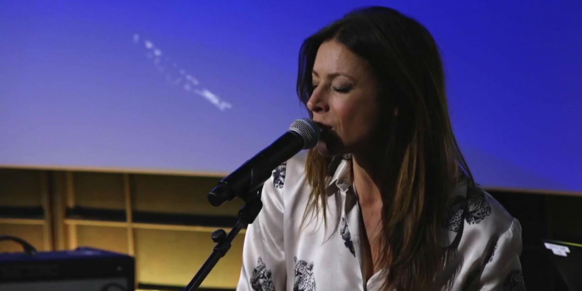 VIDÉO - Revivez le concert privé de Rose sur Europe 1