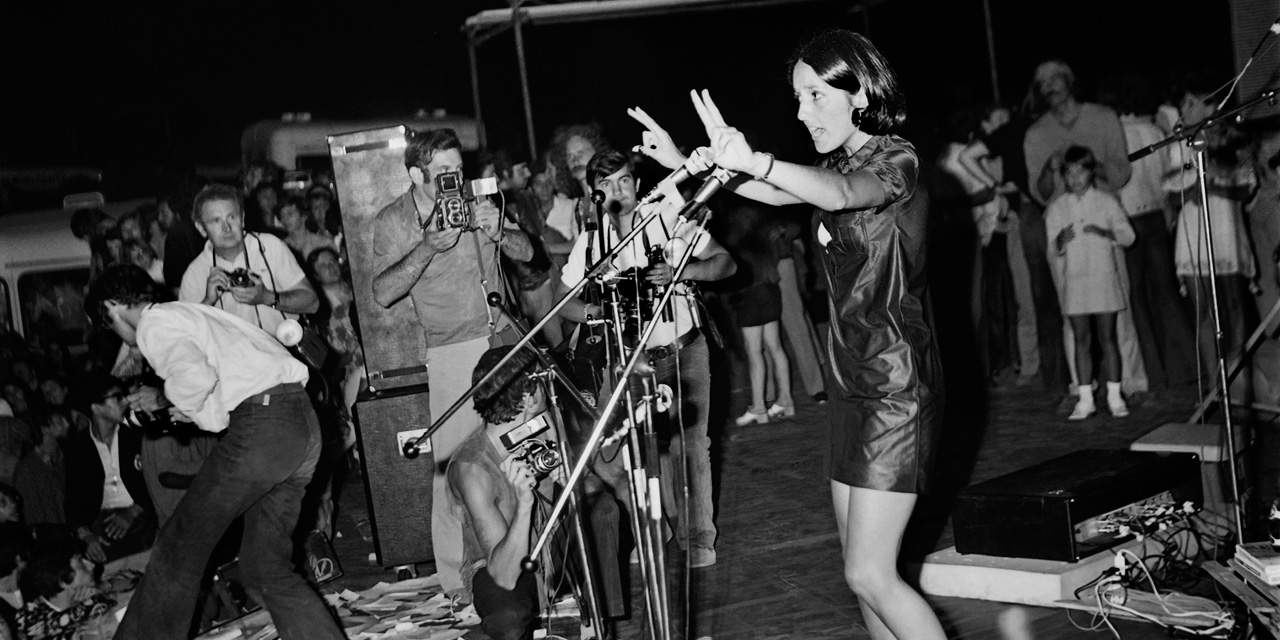 Woodstock 50 Years Later Joan Baez The Consciousness Of A Generation Teller Report