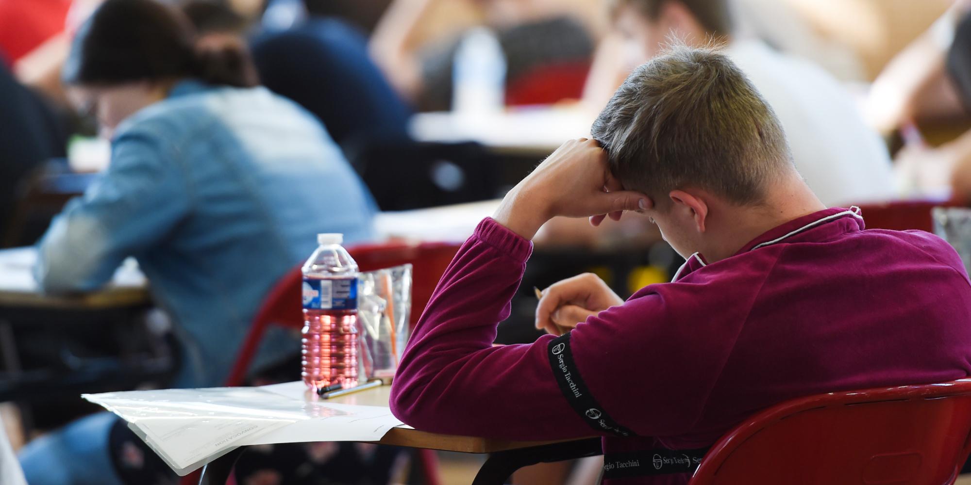 Études : les diplômes sont-ils toujours aussi valorisés en France ?