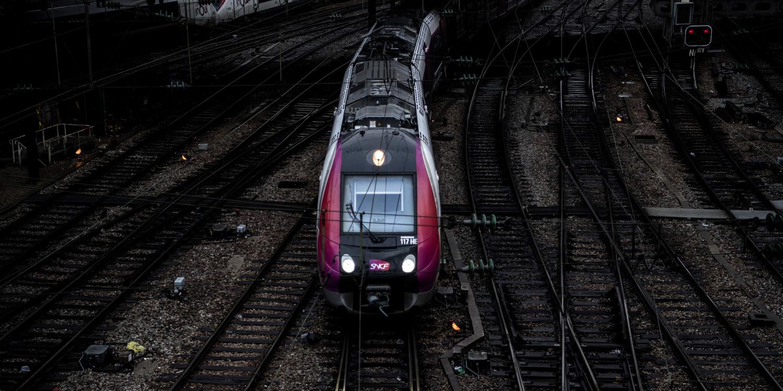 """La SNCF n'arrive pas à remplir ses trains et propose """"encore plus"""" de petits prix"""