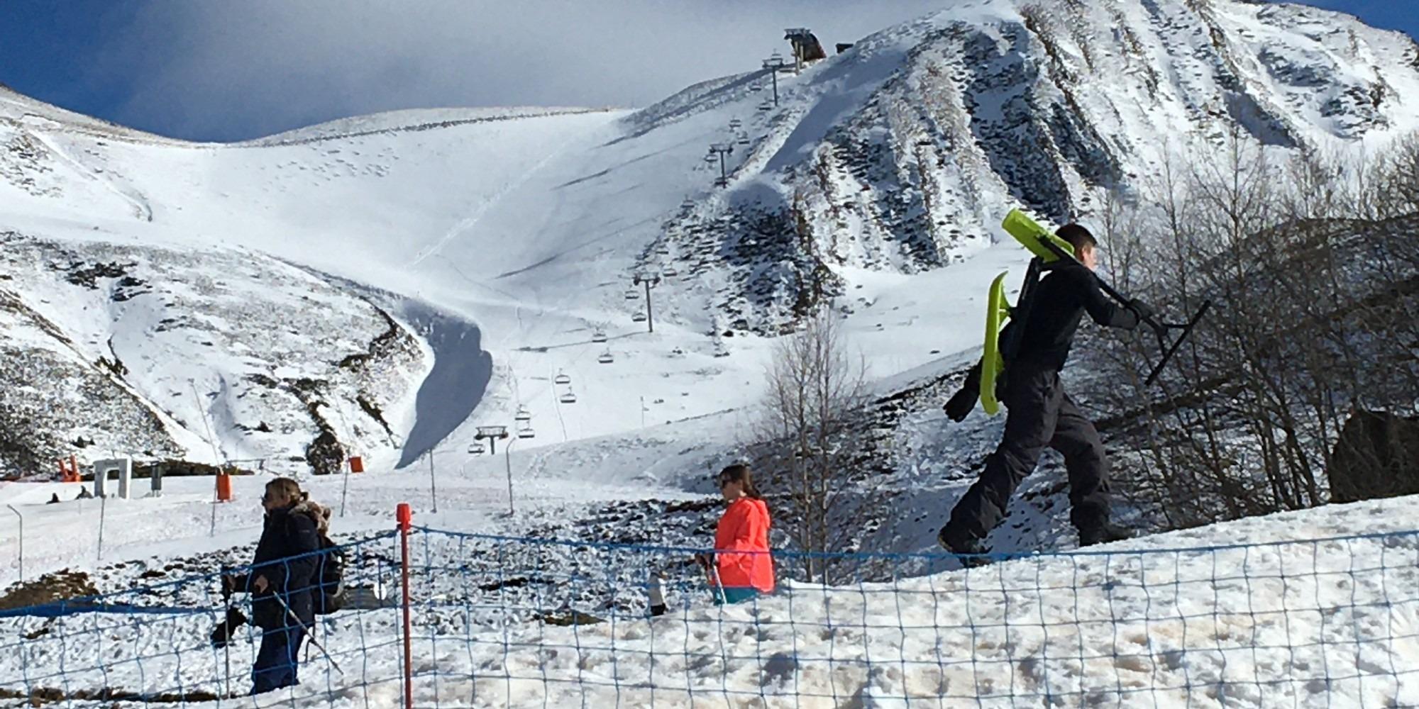 """Malgré la crise, le secteur de la montagne a pu éviter la """"saison blanche"""""""
