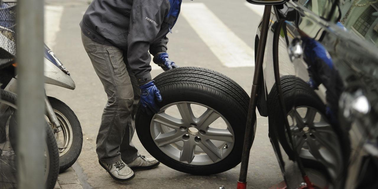 """EDITO - """"Michelin doit faire le pari du pneu haut de gamme"""""""