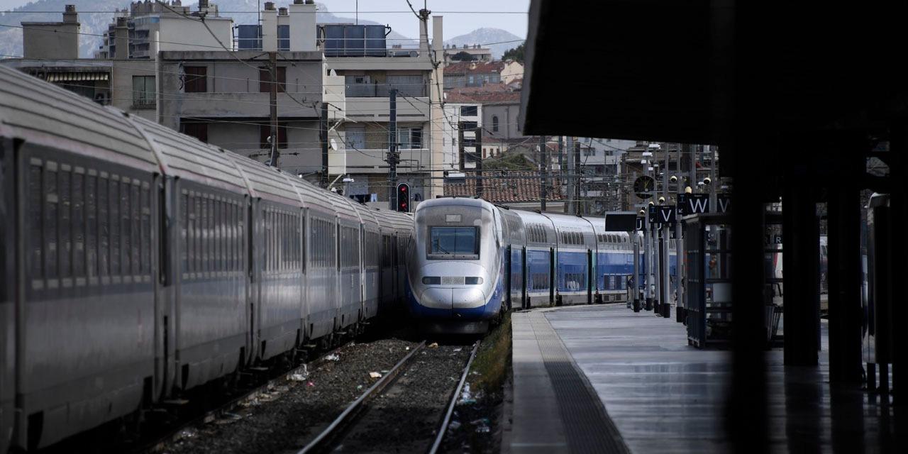 SNCF : les ventes ont bondi de 400% pendant l'allocution d'Emmanuel Macron