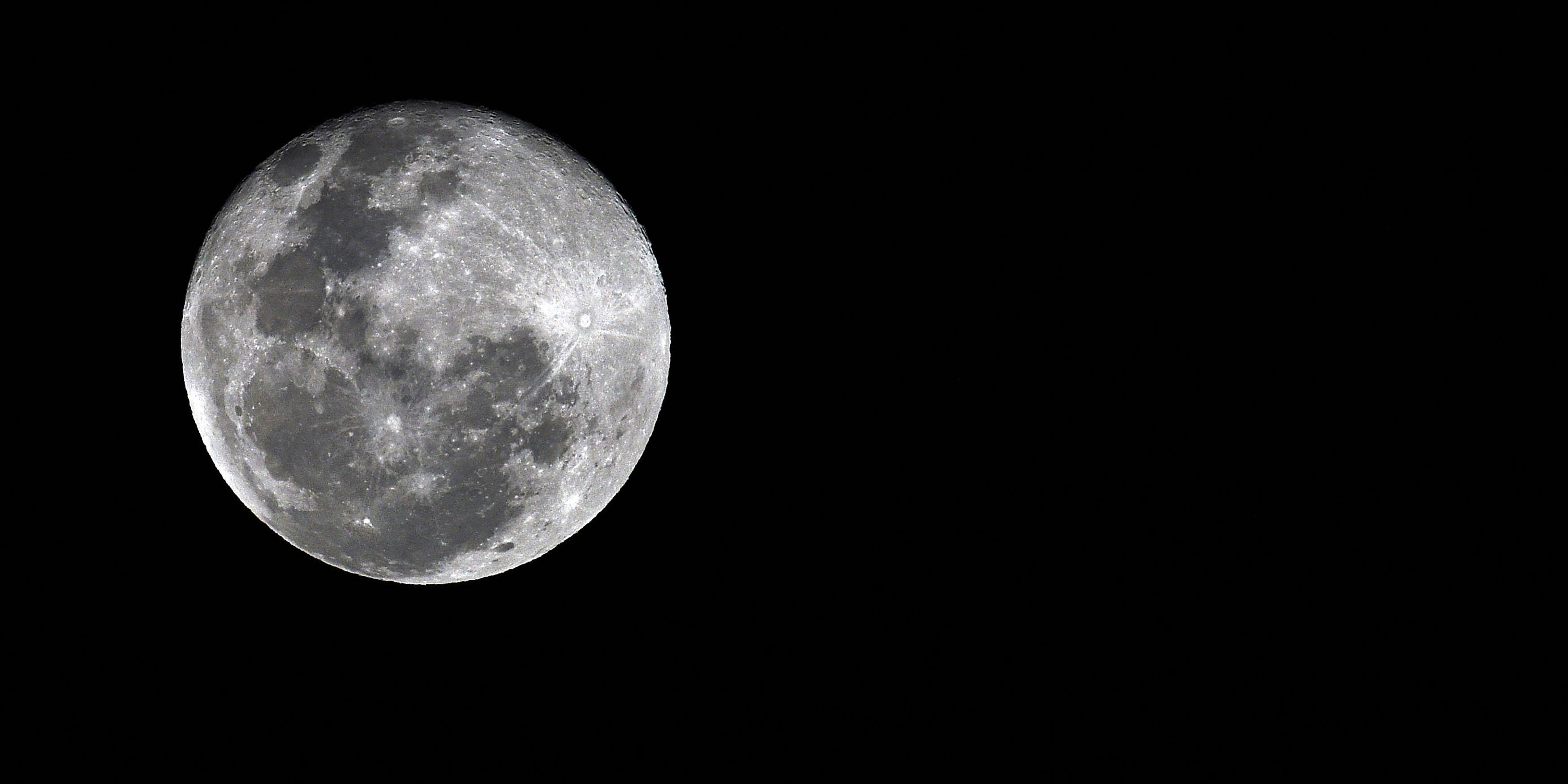 Demain, à qui appartiendra la Lune ?