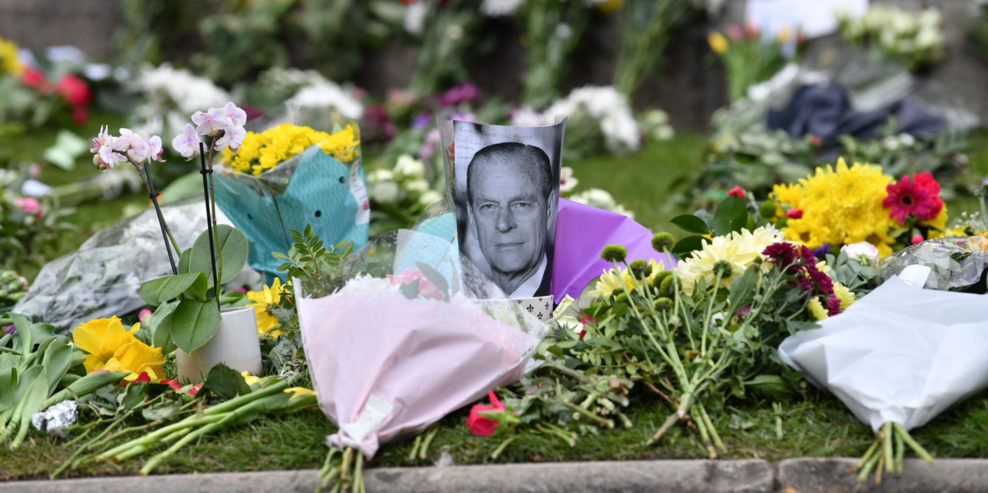 """Le prince Philip manquera """"énormément à ma famille et moi"""", dit le prince Charles"""