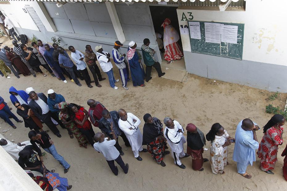 Sénégal les bureaux de vote ont fermé