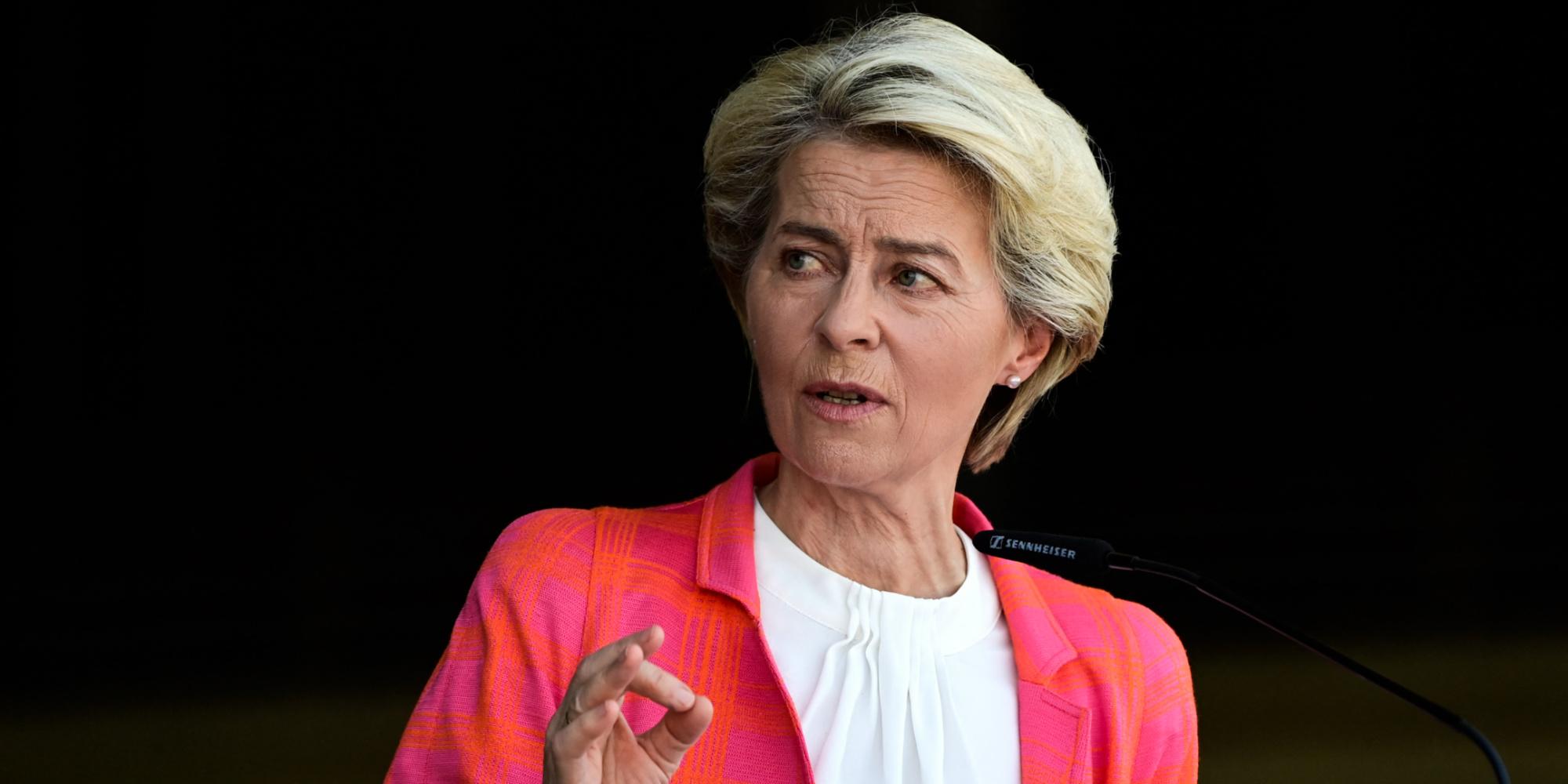 Sous-marins australiens : l'Europe réplique, relations tendues entre Paris et Washington