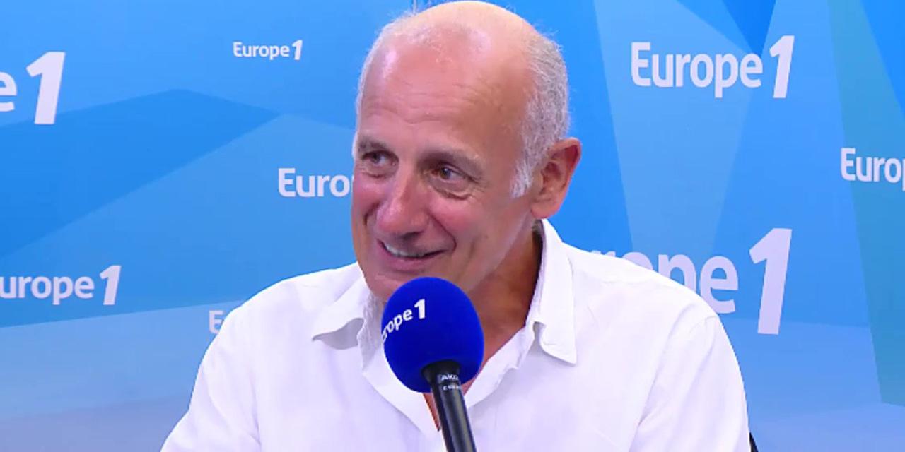 """""""Amusants"""" ou """"menteurs"""" : les politiques qui ont marqué l'intervieweur Jean-Michel Aphatie"""