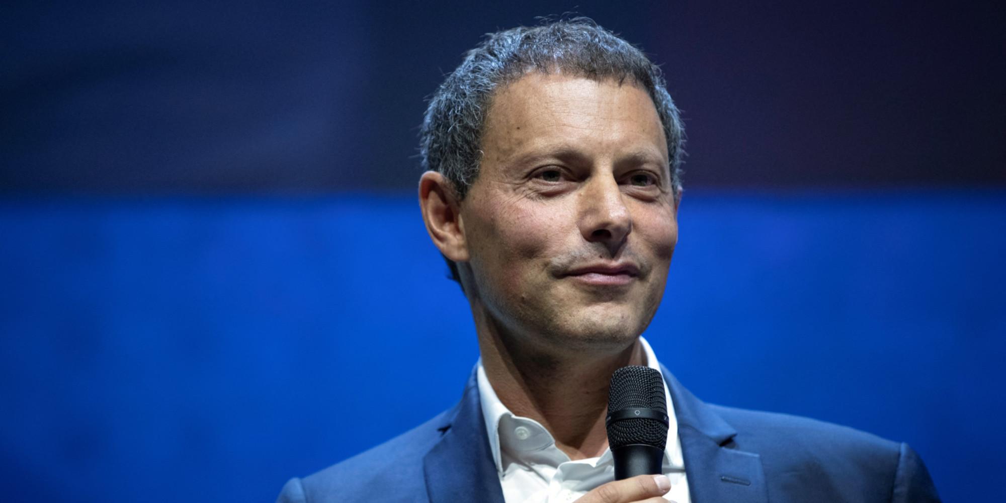"""""""Qu'est-ce qu'elle a ma famille ?"""" : France 2 va adapter le livre de Marc-Olivier Fogiel"""
