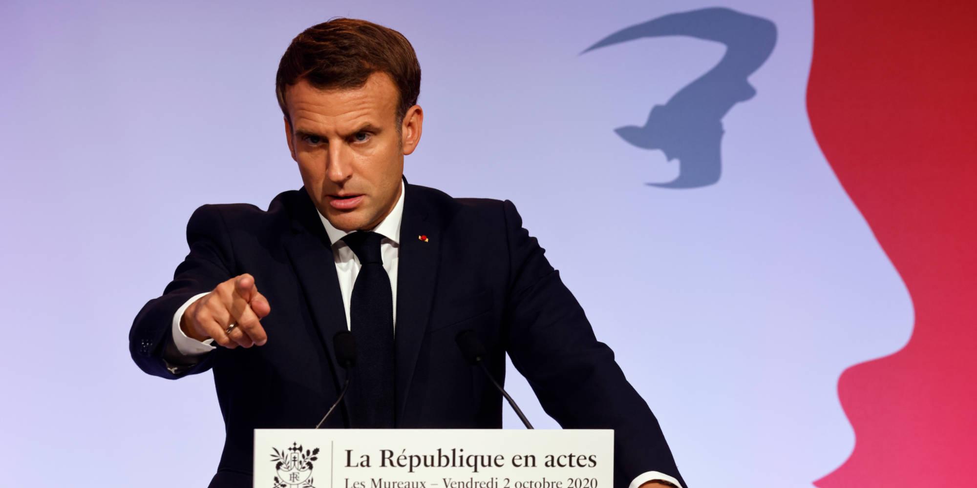 Emmanuel Macron Plaide Pour Enseigner Davantage La Langue Arabe A L Ecole