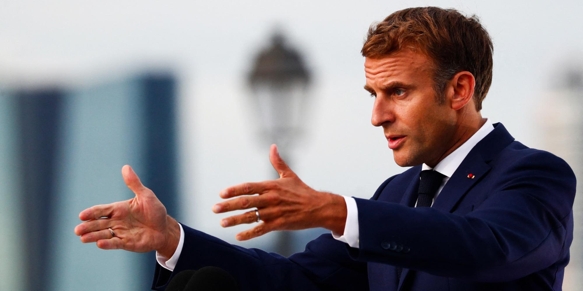 INFO EUROPE 1 - Le QR Code d'Emmanuel Macron diffusé sur internet, l'Élysée confirme son authenticité - Europe 1