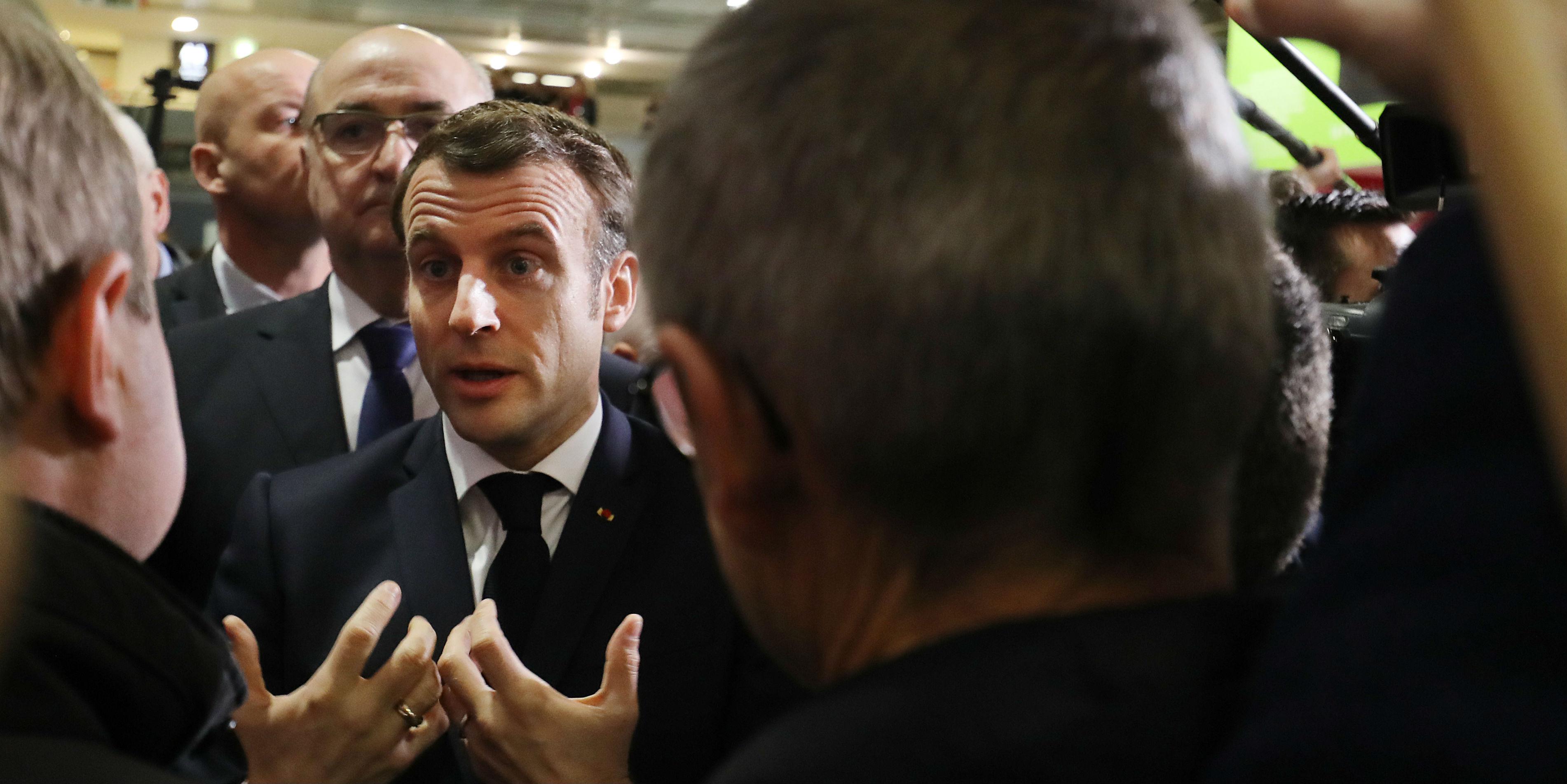 """Macron : """"Je ne m'occupe pas du monde agricole uniquement pendant la semaine du Salon"""""""