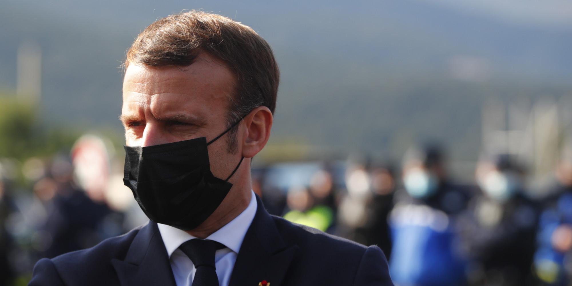 """Macron s'alarme d'une """"société qui se racialise"""""""