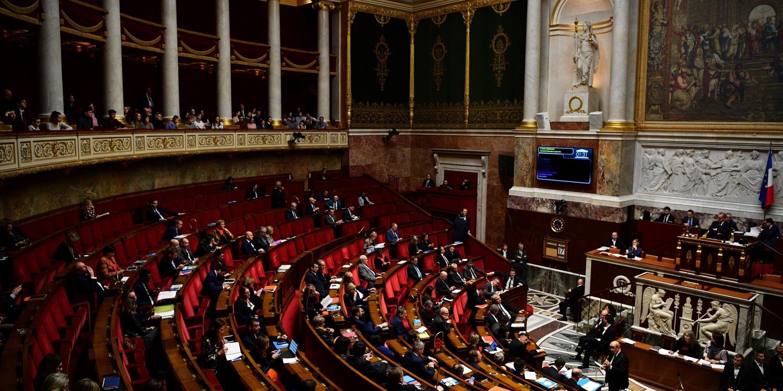 """Retraites : début d'une longue bataille à l'Assemblée, entre """"vents d'obstruction et marées d'amendements"""""""