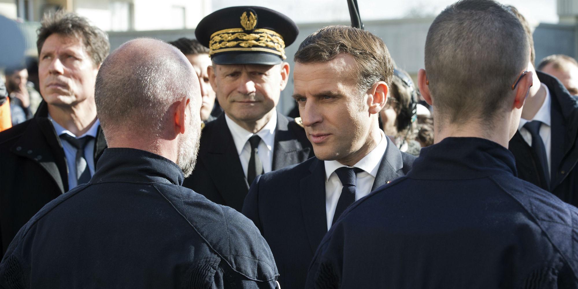 """""""Séparatisme islamiste"""" : en quoi consiste les Elcos, supprimés par Emmanuel Macron ?"""