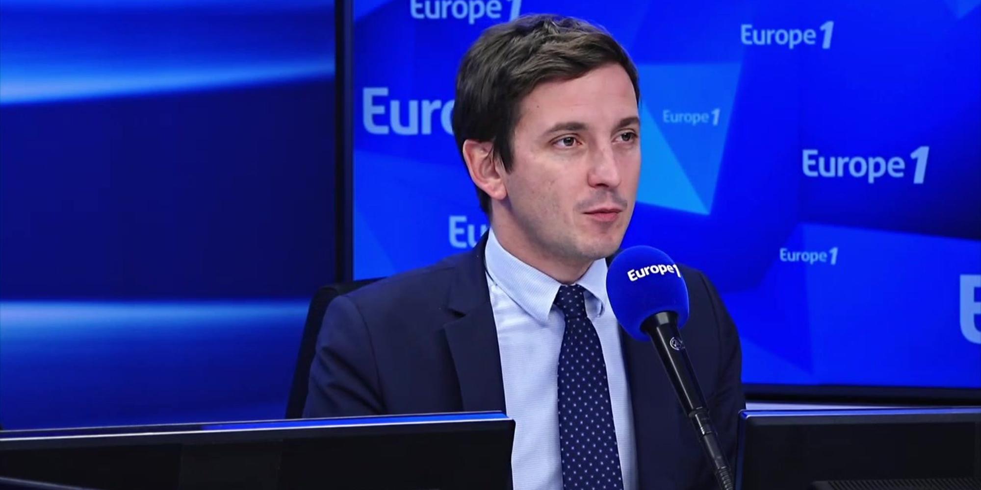 """""""Séparatisme islamiste"""" : Aurélien Taché salue les """"réponses fortes"""" d'Emmanuel Macron"""