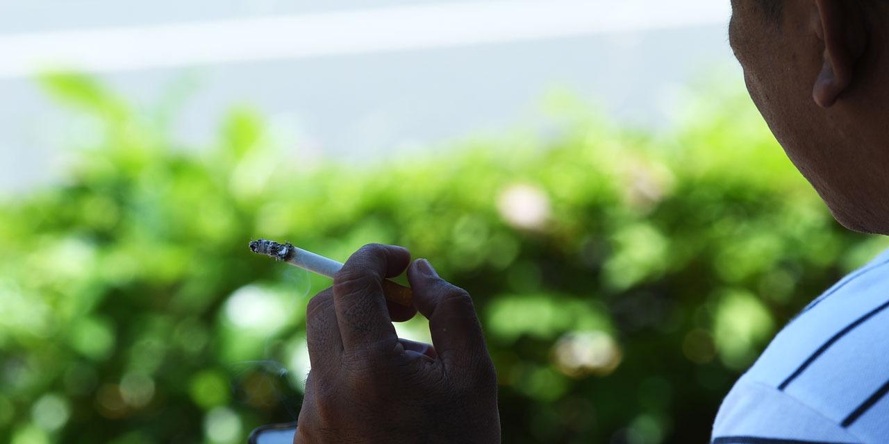 """Dans """"La France bouge"""",Raphaëlle Duchemin fait le tour des nouvelles manières pour arrêter de fumer."""