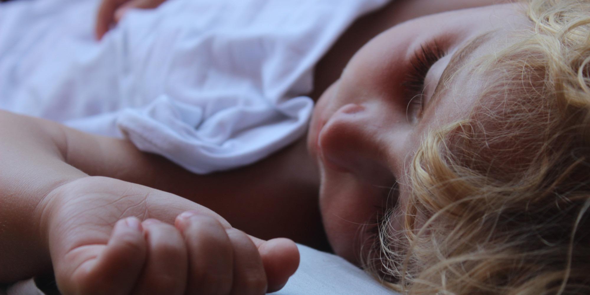 Fièvre et irruption cutanée chez l'enfant : quand aller aux urgences ? - Europe 1