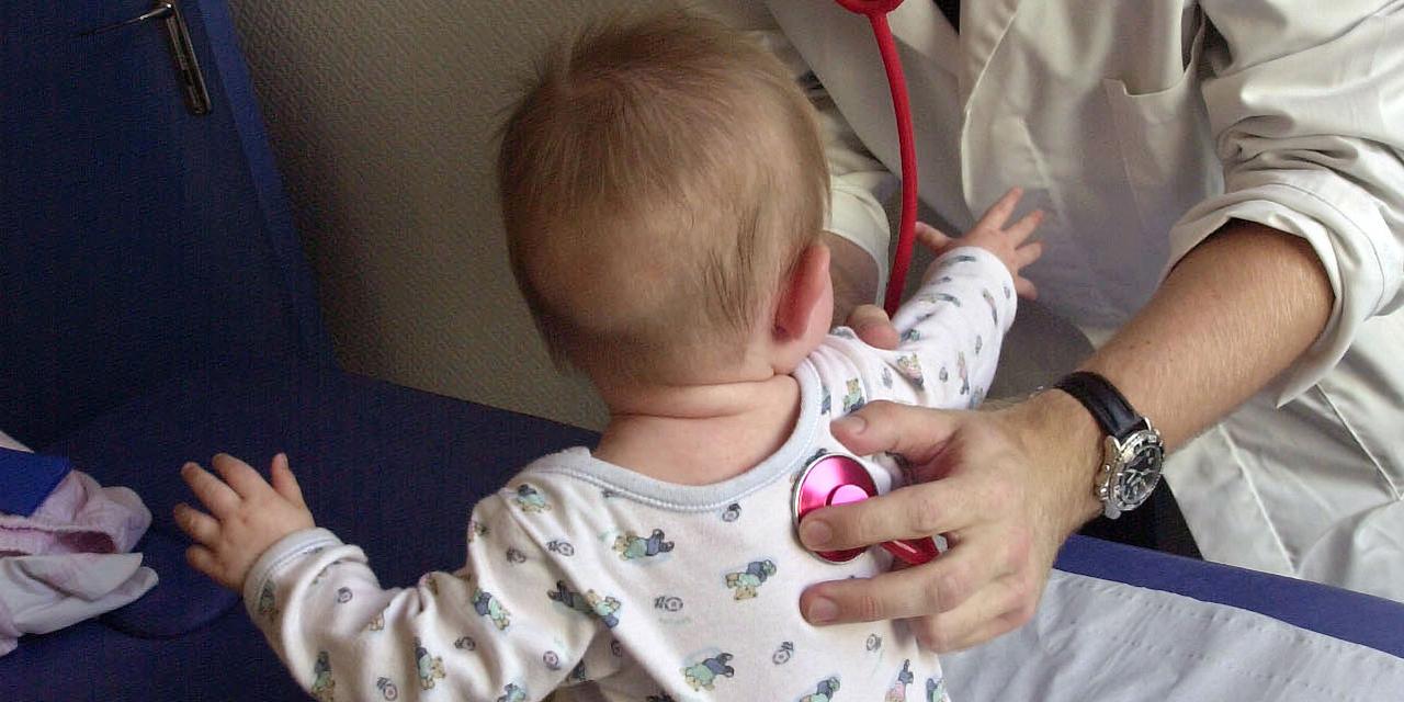 La bronquiolitis está de vuelta: nuestro consejo para cuidar a nuestros niños - Europa 1