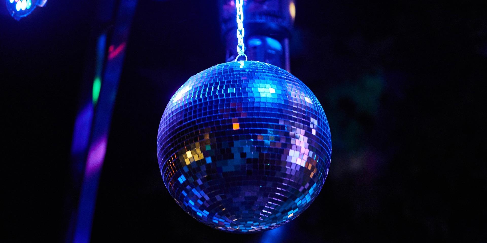 Lille : 78 clients d'une discothèque positifs au Covid-19 - Europe 1
