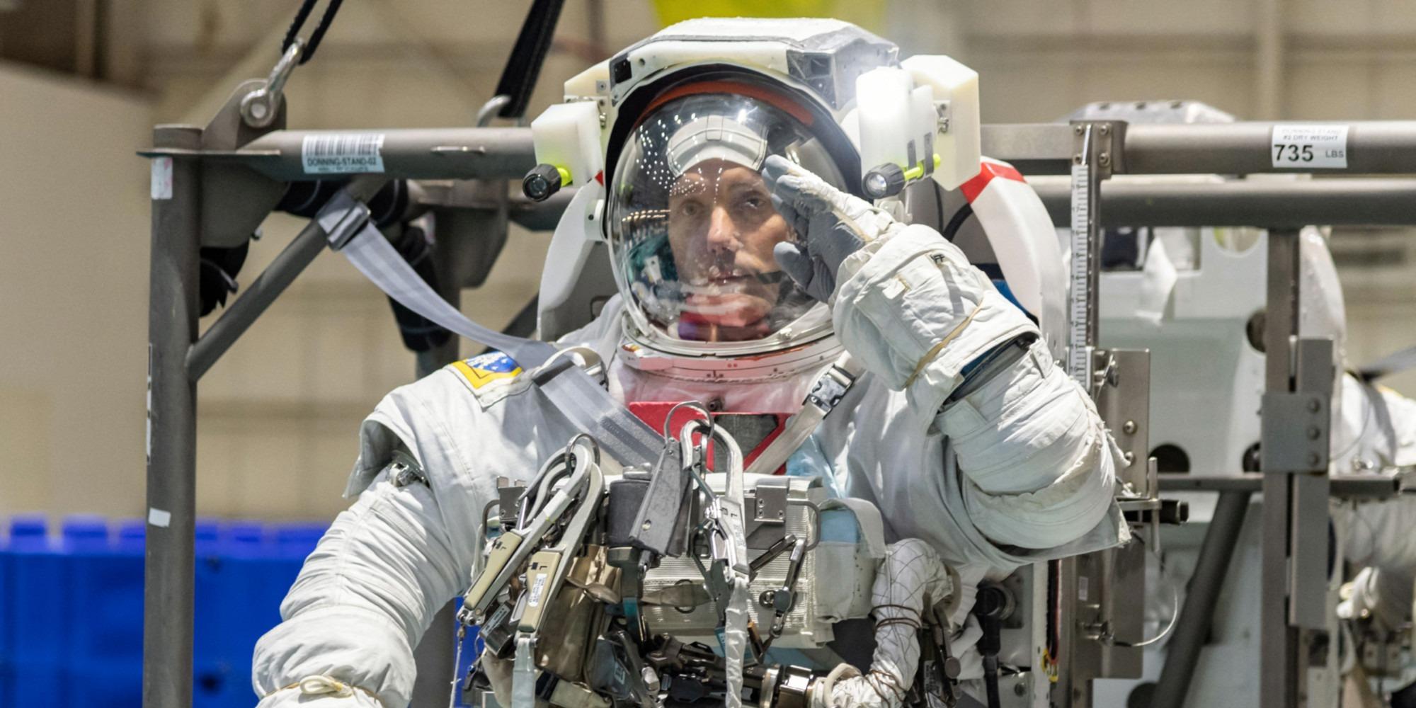 """L'agence spatiale recrute des astronautes : """"On ne cherche pas des super-héros"""""""