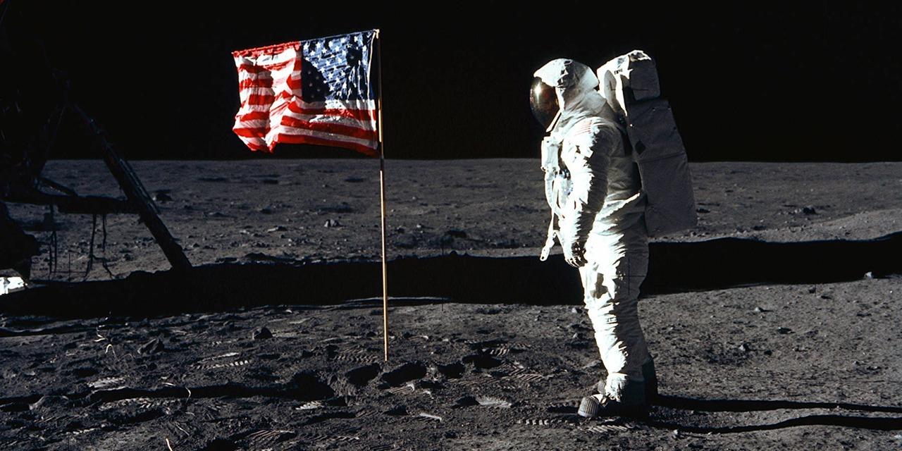 Pourquoi la conquête spatiale se concentre à nouveau sur la Lune, plutôt que sur Mars