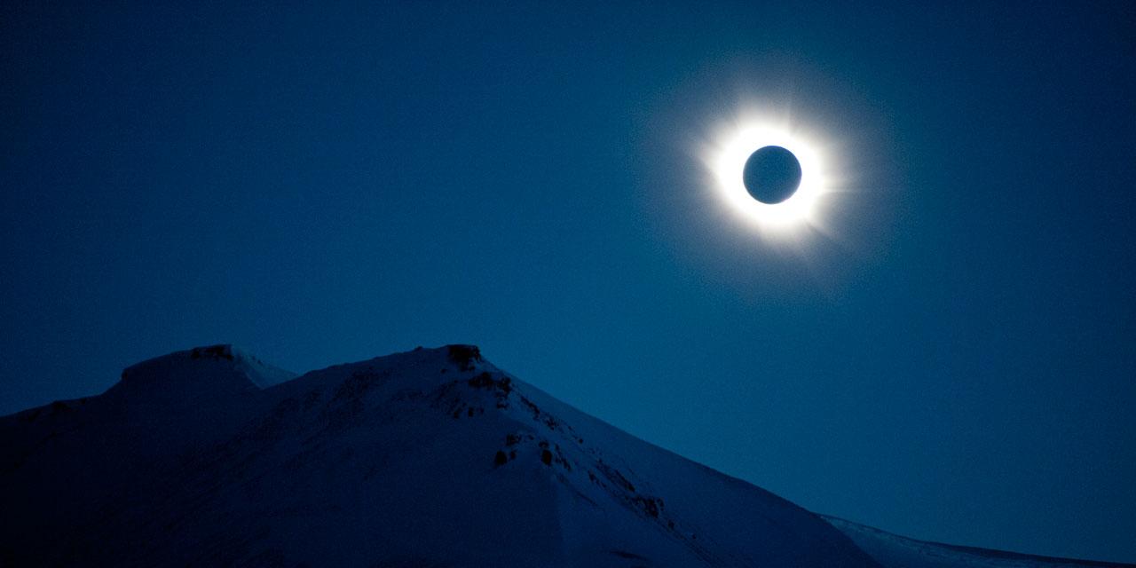 8e7df430372fc7 Une éclipse solaire totale au-dessus du Pacifique mercredi