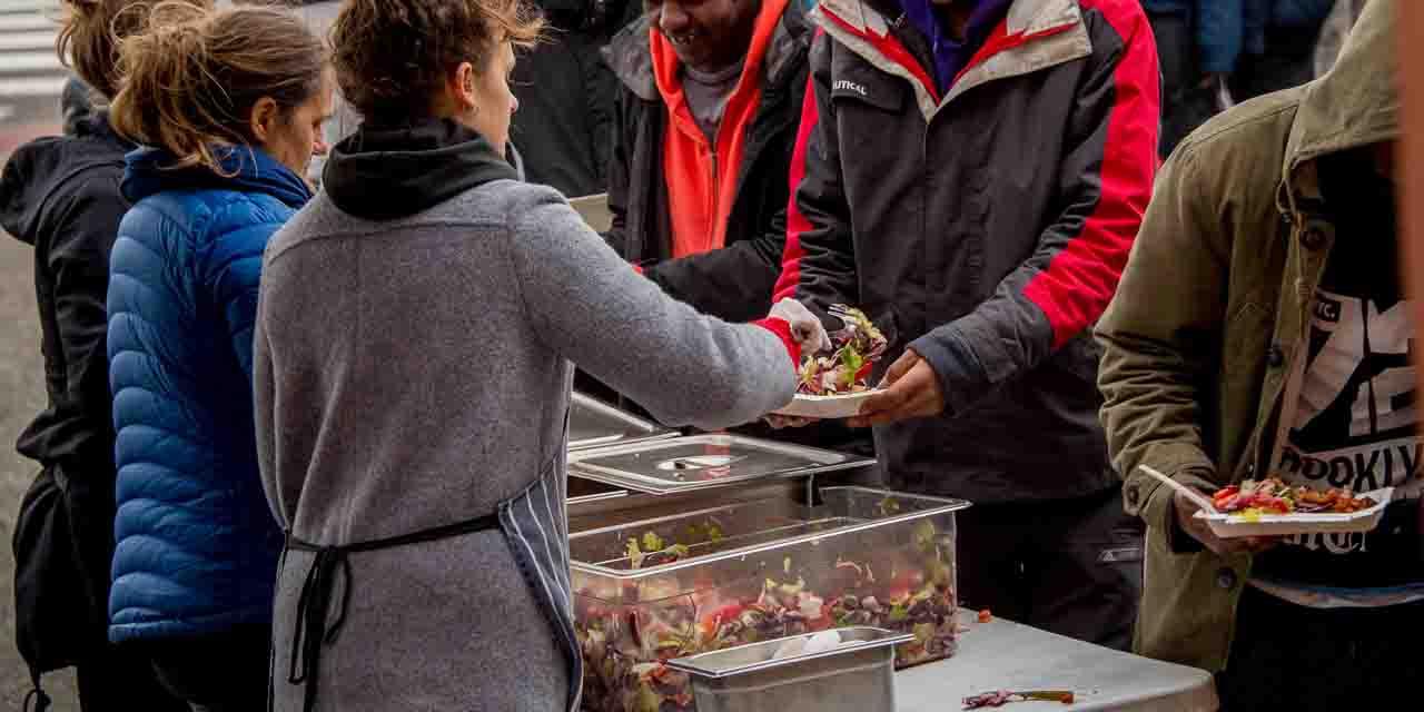 A-Calais-l-Etat-reprend-la-distribution-de-repas-aux-migrants.jpg