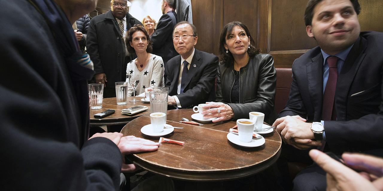 """Je Suis En Terrasse ban ki-moon dans un café parisien : """"je suis parisien et en"""