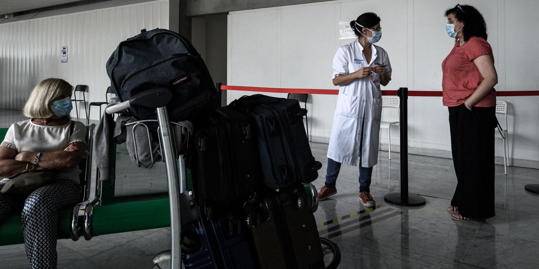 Coronavirus : à l'aéroport de Bordeaux, des tests renforcés au retour de pays à risque