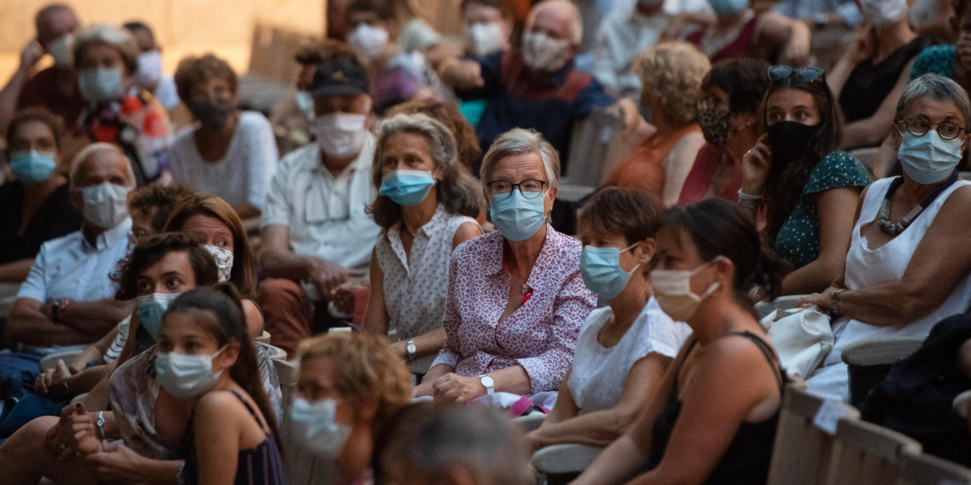 Covid : un risque de contaminations plus élevé à l'école que dans un lieu culturel ? - Europe1