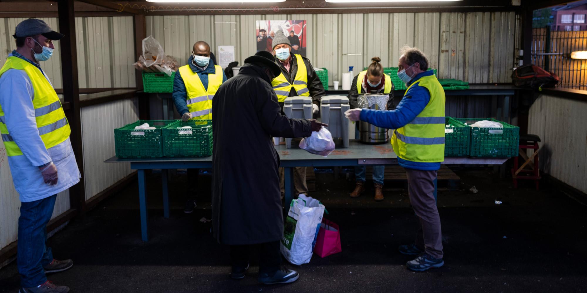 Covid : en attendant le vaccin, les associations manquent cruellement de bénévoles séniors