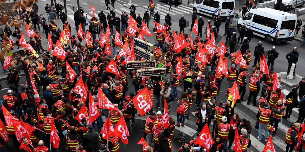 """EDITO - """"L'appel à la grève du 5 décembre est un aveu de faiblesse des syndicats"""""""