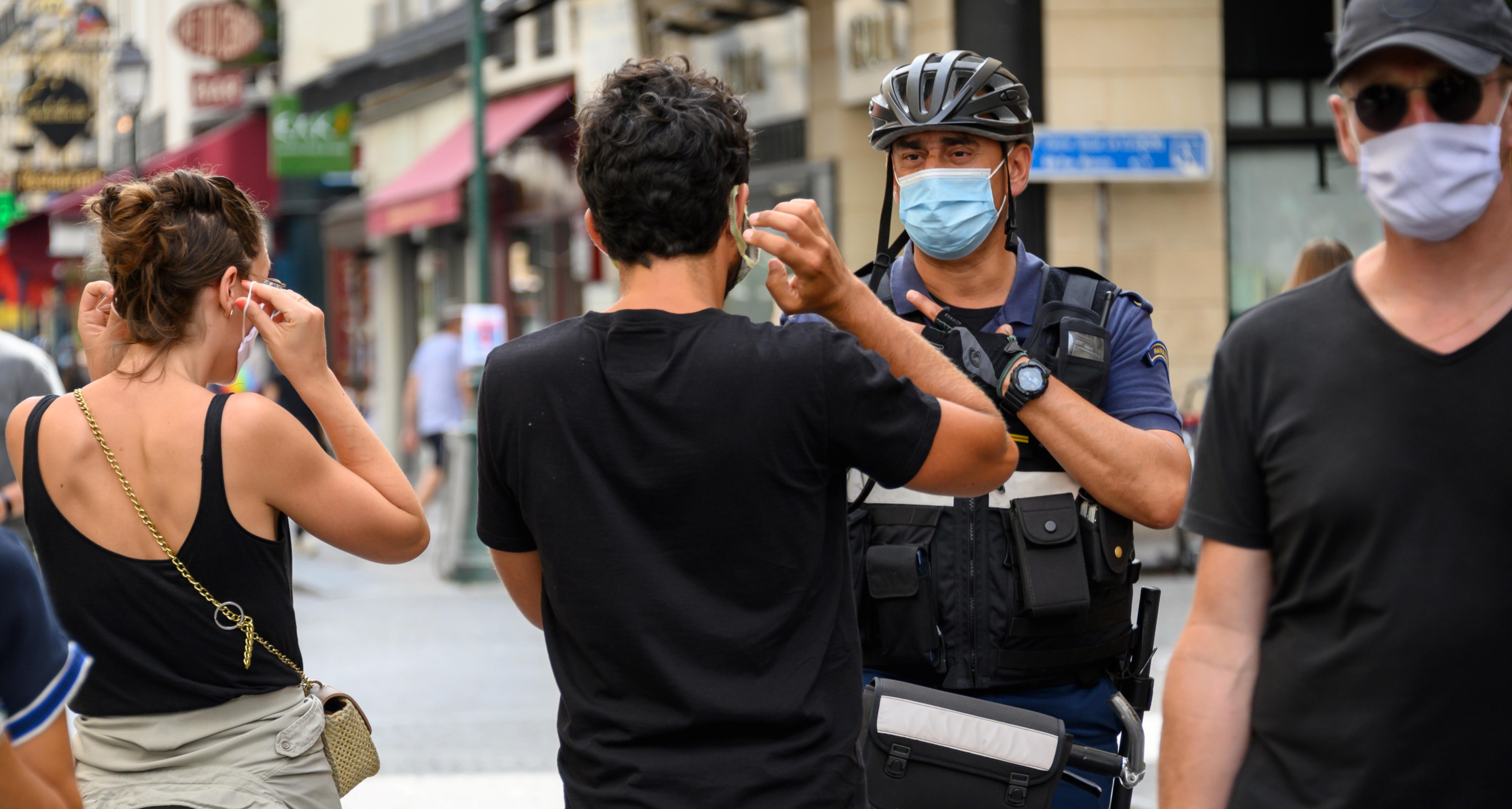 Élargissement du port du masque : à Paris, les promeneurs s'agacent du manque d'information