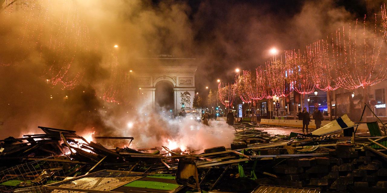 """gilets jaunes"""" : plus de 106.000 manifestants dans toute la france"""