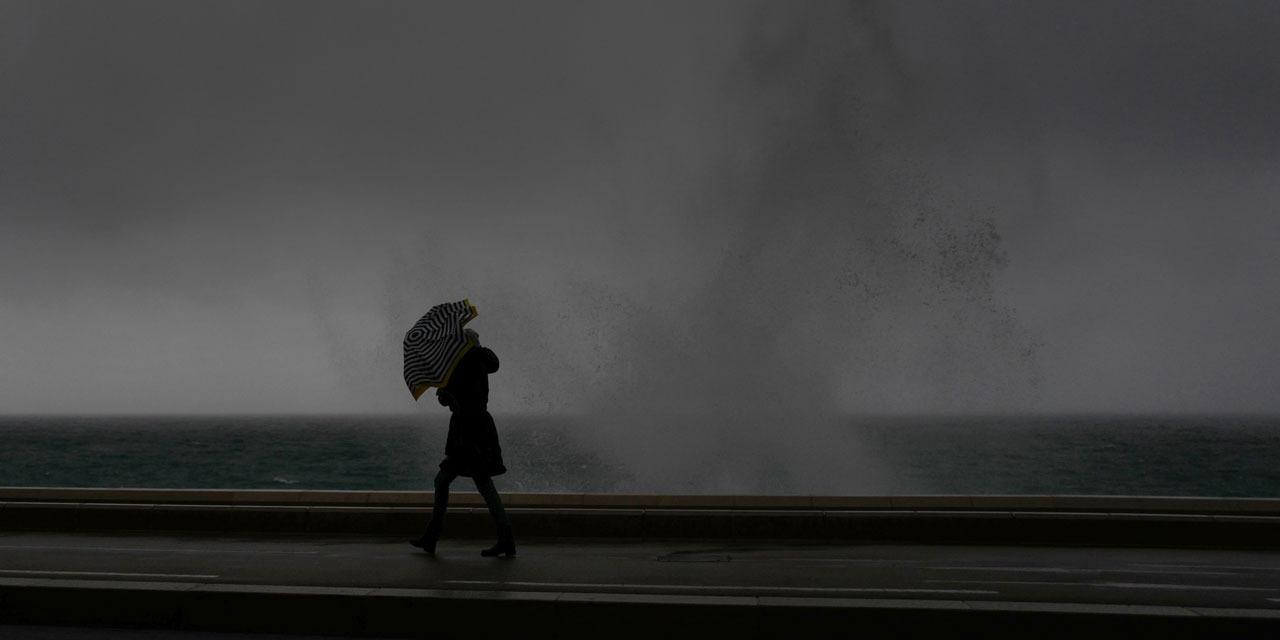 La météo de dimanche : un temps encore nuageux et pluvieux - Europe 1