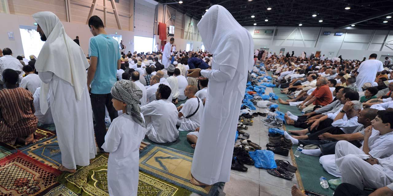 Les musulmans fêtent la fin du ramadan dans l'unité