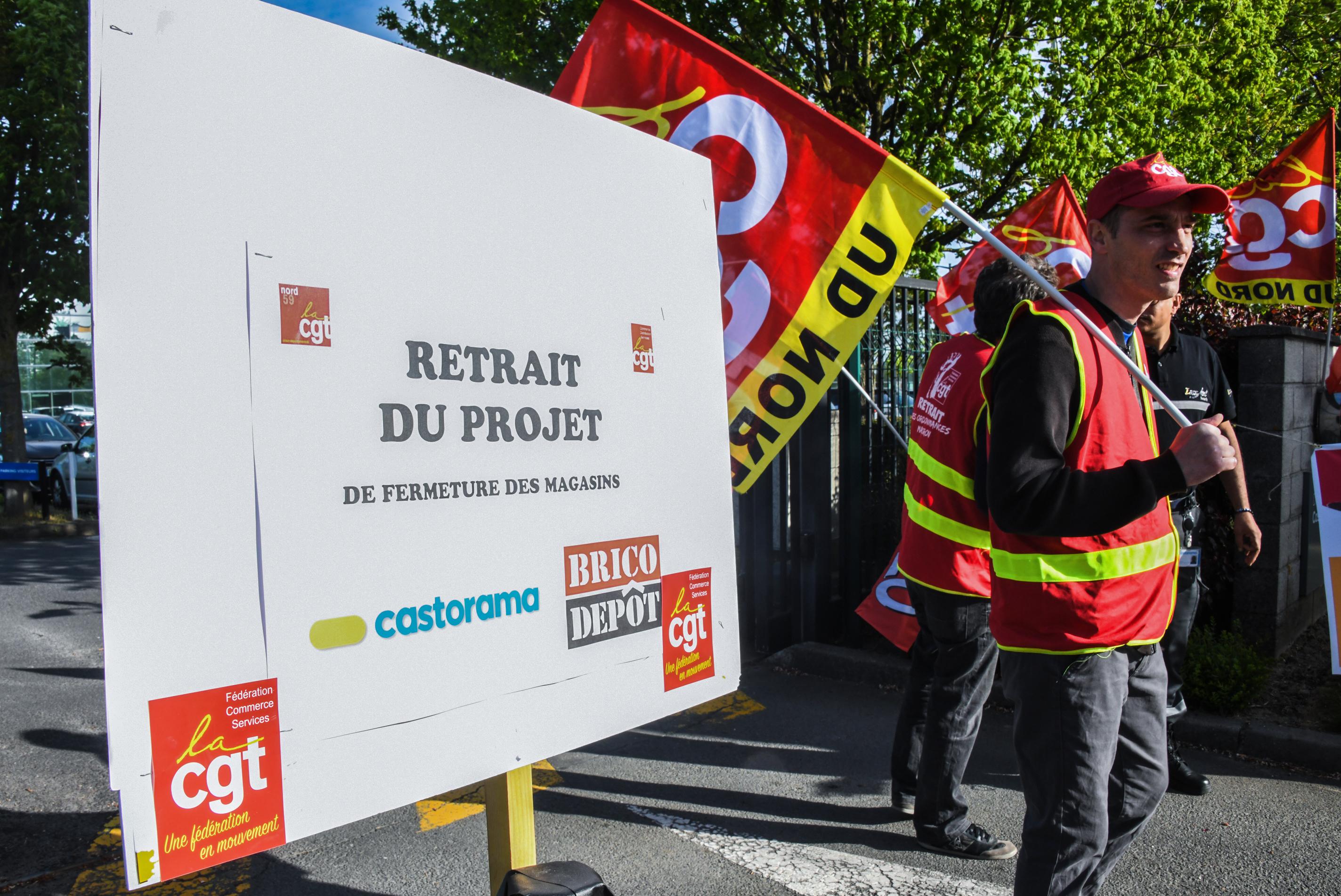 Manifestation Contre Le Plan Social Chez Castorama Quand