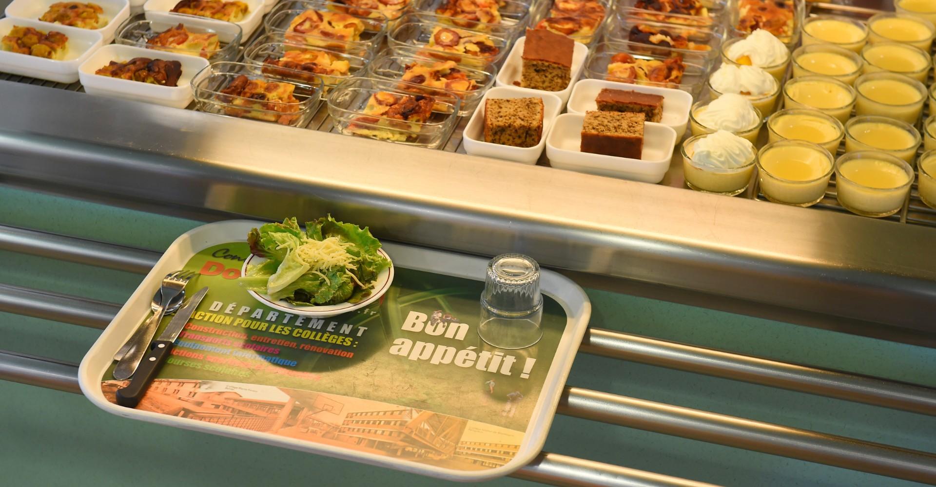 Menu végétarien à la cantine : une hérésie pour les producteurs de viande Aubrac