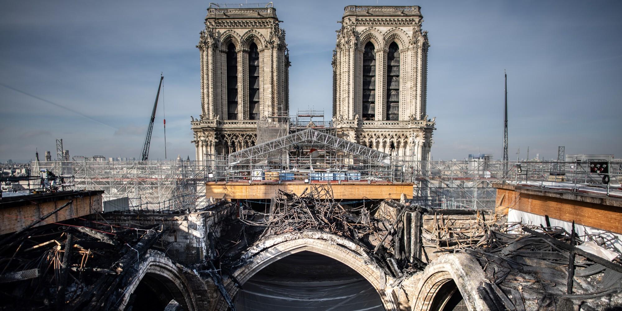 Notre-Dame : le démontage de l'échafaudage terminé, le chantier reprend dans la sérénité