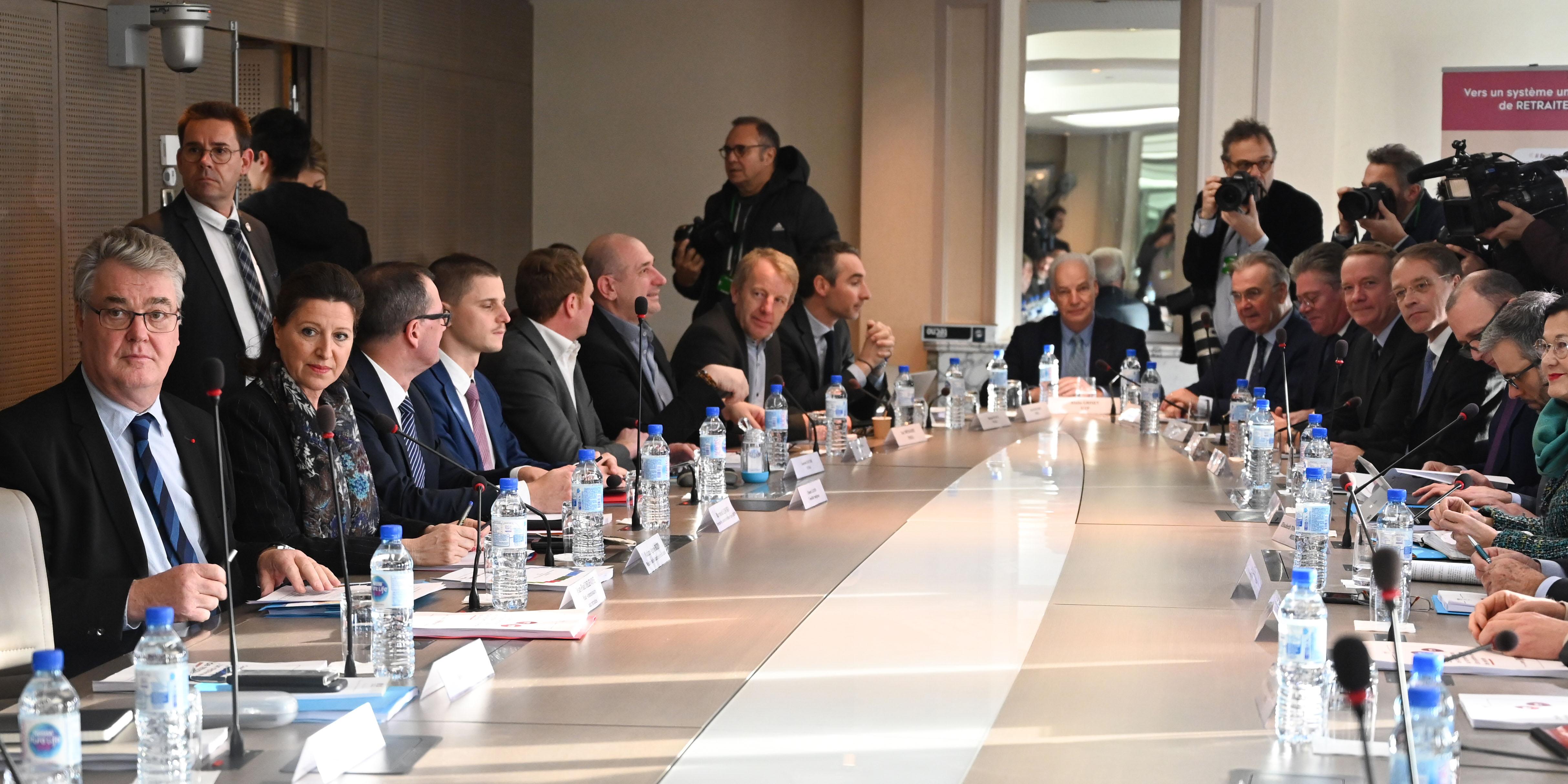 Retraites : ce qu'il faut retenir de l'ultime réunion entre Jean-Paul Delevoye et les syndicats