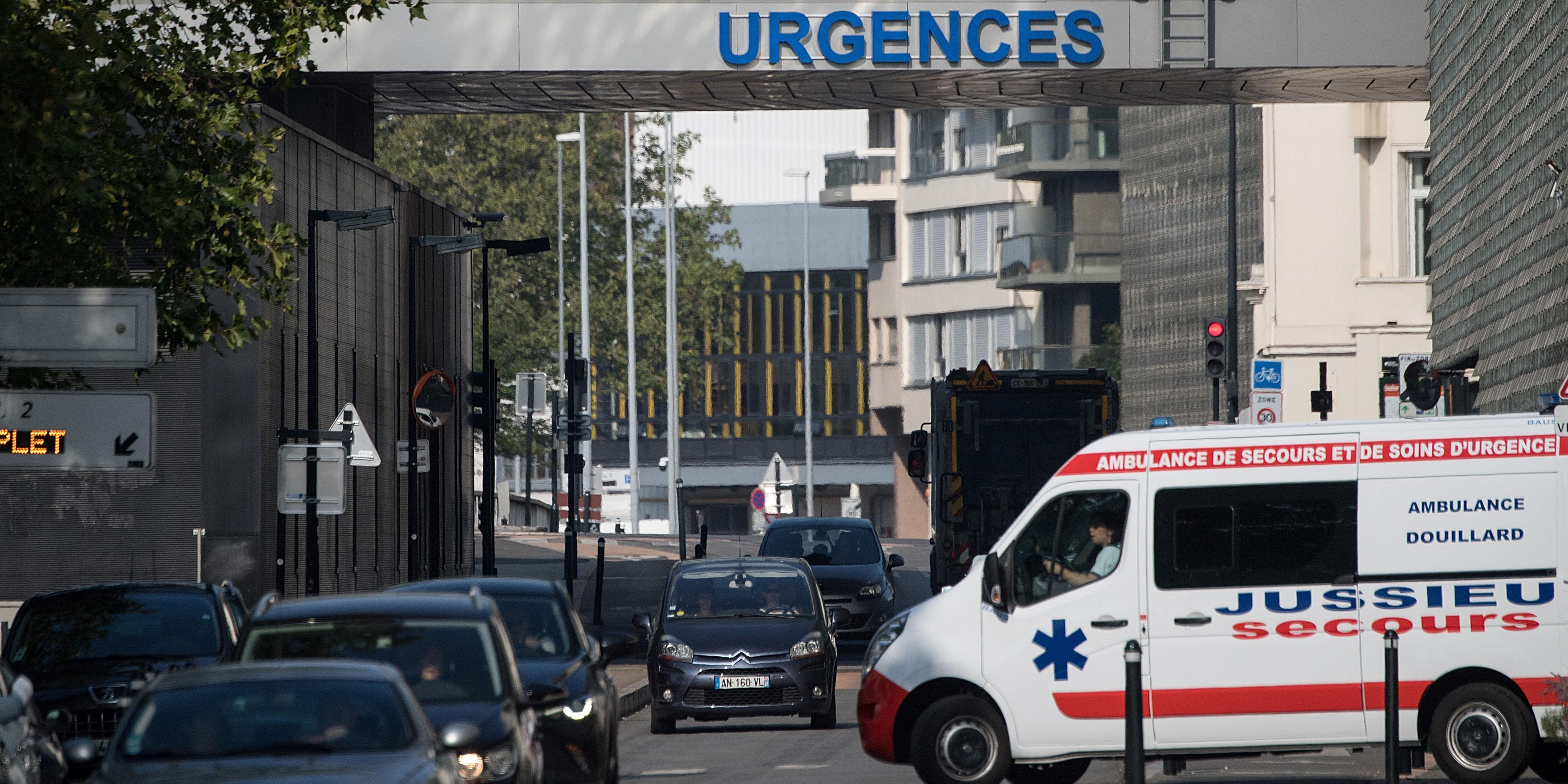 """""""Une semaine ça ira, après ce sera compliqué"""" : les ambulanciers s'organisent pour éviter le trafic"""