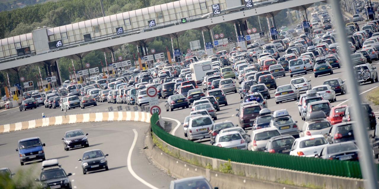Vacances : des routes, gares et aéroports surchargés ce weekend