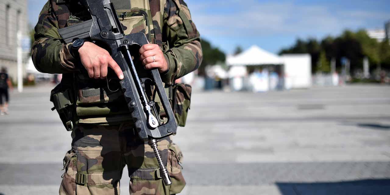 Valeurs Actuelles publie une nouvelle tribune de militaires